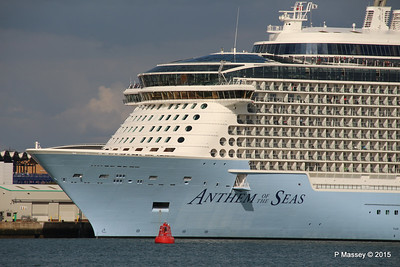 ANTHEM OF THE SEAS Dropping Lines Southampton PDM 15-08-2015 16-43-24