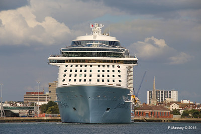 ANTHEM OF THE SEAS Departing Southampton PDM 15-08-2015 16-50-24