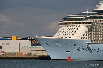 ANTHEM OF THE SEAS Dropping Lines Southampton PDM 15-08-2015 16-42-59