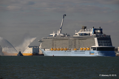 PHENIX Fire Tug ANTHEM OF THE SEAS Maiden Voyage Southampton PDM 22-04-2015 17-16-04