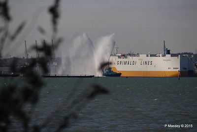 GRANDE SCANDINAVIA PHENIX Spraying for ANTHEM OF THE SEAS Southampton PDM 22-04-2015 17-08-29