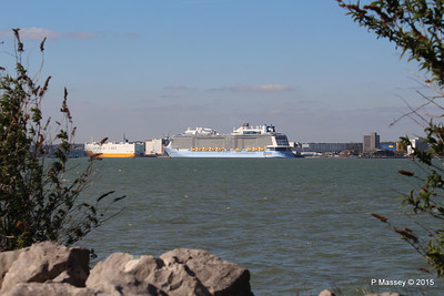 GRANDE SCANDINAVIA ANTHEM OF THE SEAS Southampton PDM 22-04-2015 16-22-52