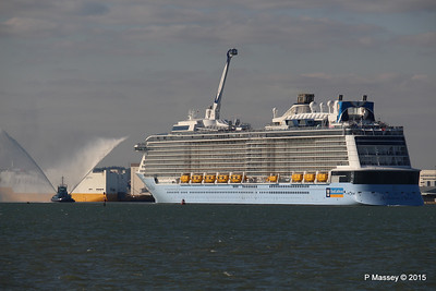 PHENIX Fire Tug ANTHEM OF THE SEAS Maiden Voyage Southampton PDM 22-04-2015 17-16-10