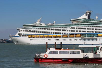 EXPLORER OF THE SEAS Passing URIAH HEEP Southampton PDM 22-04-2015 15-18-25