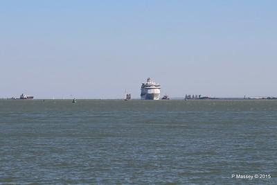 EXPLORER OF THE SEAS Arriving Southampton PDM 22-04-2015 15-07-10