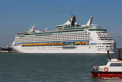 EXPLORER OF THE SEAS Arriving Southampton PDM 22-04-2015 15-19-34