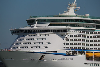 EXPLORER OF THE SEAS Arriving Southampton PDM 22-04-2015 15-13-17
