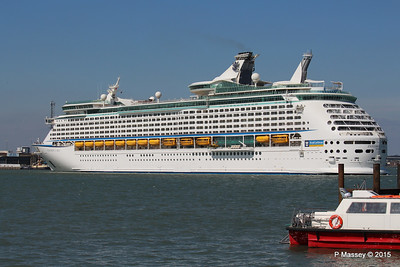EXPLORER OF THE SEAS Arriving Southampton PDM 22-04-2015 15-19-29