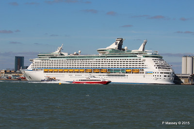 RED JET 3 EXPLORER OF THE SEAS Southampton 22 Apr 2015 22-04-2015 16-21-53