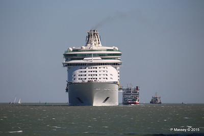 EXPLORER OF THE SEAS Arriving Southampton PDM 22-04-2015 15-10-03