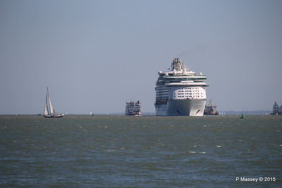EXPLORER OF THE SEAS Arriving Southampton PDM 22-04-2015 15-07-32