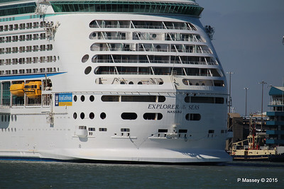 EXPLORER OF THE SEAS Arriving Southampton PDM 22-04-2015 15-22-27