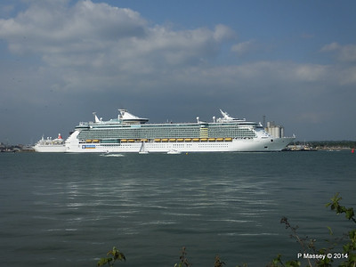 INDEPENDENCE OF THE SEAS Departing Southampton PDM 17-05-2014 17-01-51