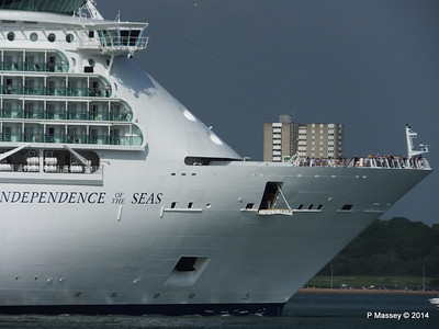 INDEPENDENCE OF THE SEAS Departing Southampton PDM 17-05-2014 17-03-37
