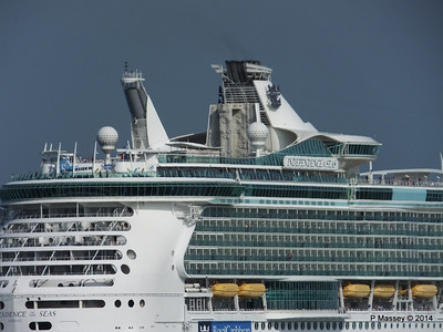 INDEPENDENCE OF THE SEAS Departing Southampton PDM 17-05-2014 17-07-37