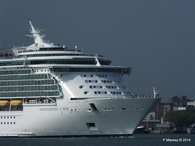 INDEPENDENCE OF THE SEAS Departing Southampton PDM 17-05-2014 16-58-49