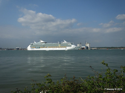 INDEPENDENCE OF THE SEAS Departing Southampton PDM 17-05-2014 17-01-34