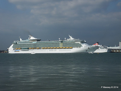 INDEPENDENCE OF THE SEAS Departing Southampton PDM 17-05-2014 17-01-12