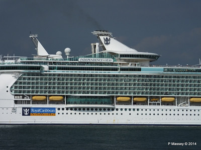 INDEPENDENCE OF THE SEAS Departing Southampton PDM 17-05-2014 17-03-49