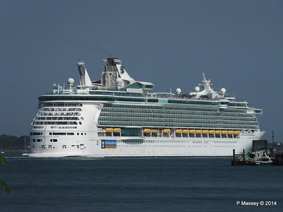INDEPENDENCE OF THE SEAS Departing Southampton PDM 17-05-2014 17-07-49
