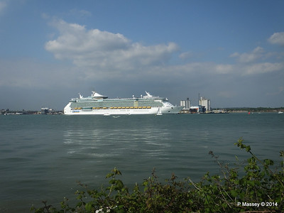 INDEPENDENCE OF THE SEAS Departing Southampton PDM 17-05-2014 17-01-31