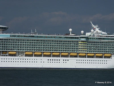 INDEPENDENCE OF THE SEAS Departing Southampton PDM 17-05-2014 17-03-44