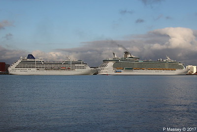 ADONIA Final Departure Passing INDEPENDENCE OF THE SEAS Southampton PDM 14-10-2017 16-41-46
