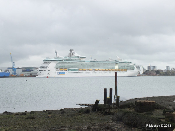 INDEPENDENCE OF THE SEAS Southampton PDM 26-10-2013 13-17-51