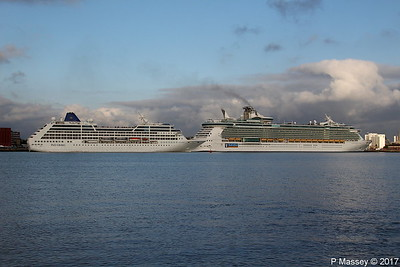 ADONIA Final Departure Passing INDEPENDENCE OF THE SEAS Southampton PDM 14-10-2017 16-41-49