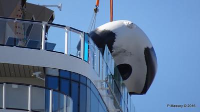 OVATION OF THE SEAS Raising Panda Southampton PDM 12-04-2016 15-24-52