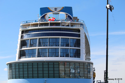 OVATION OF THE SEAS Raising Panda Southampton PDM 12-04-2016 15-22-43