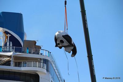 OVATION OF THE SEAS Raising Panda Southampton PDM 12-04-2016 15-24-12