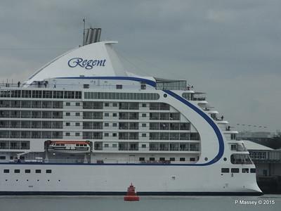 SEVEN SEAS VOYAGER Departing Southampton PDM 29-08-2015 16-27-33