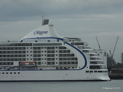 SEVEN SEAS VOYAGER Departing Southampton PDM 29-08-2015 16-31-08