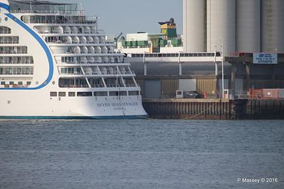 SEVEN SEAS VOYAGER Letting Go Southampton PDM 06-06-2016 18-06-38