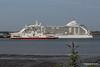 SEVEN SEAS VOYAGER Departing RED EAGLE Passing Southampton PDM 06-06-2016 18-13-21