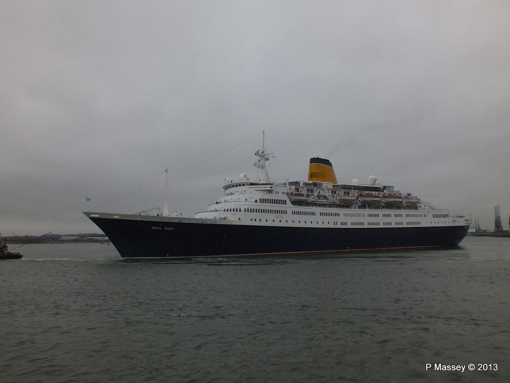 SAGA RUBY under tow Southampton PDM 08-01-2013 15-17-30