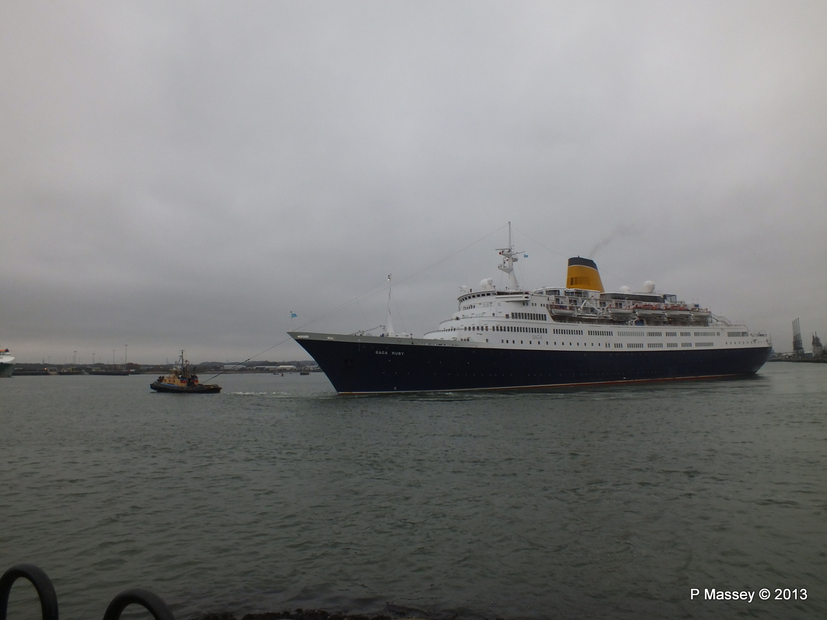 SAGA RUBY under tow Southampton PDM 08-01-2013 15-17-19