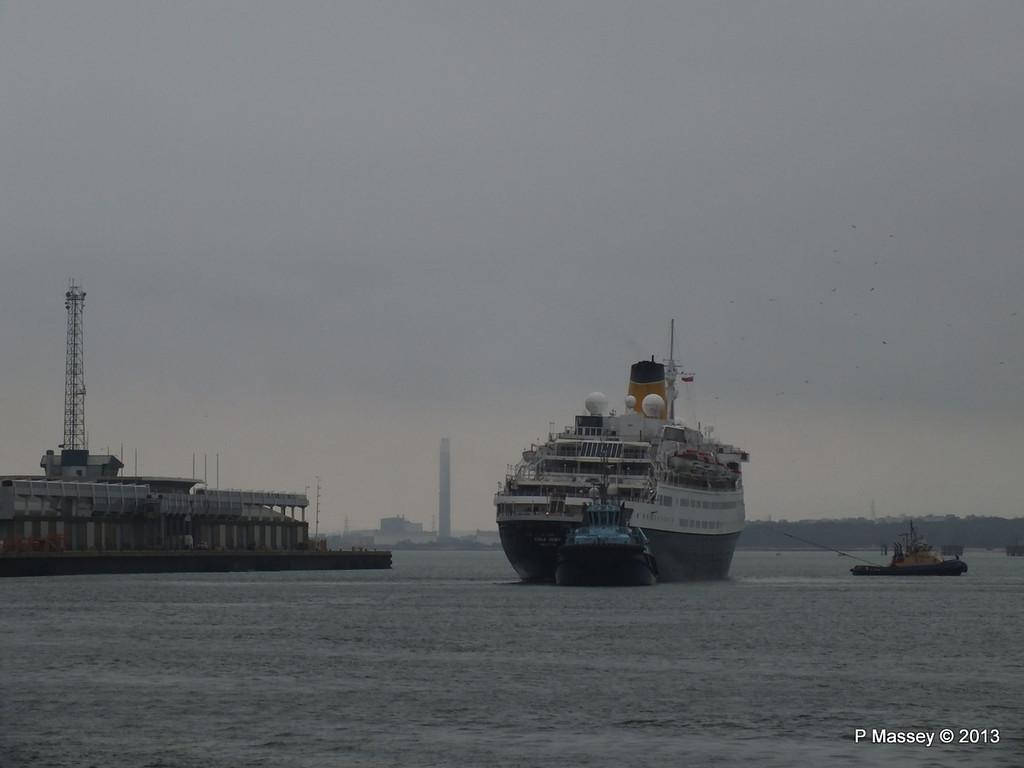 SAGA RUBY under tow Southampton PDM 08-01-2013 15-40-26