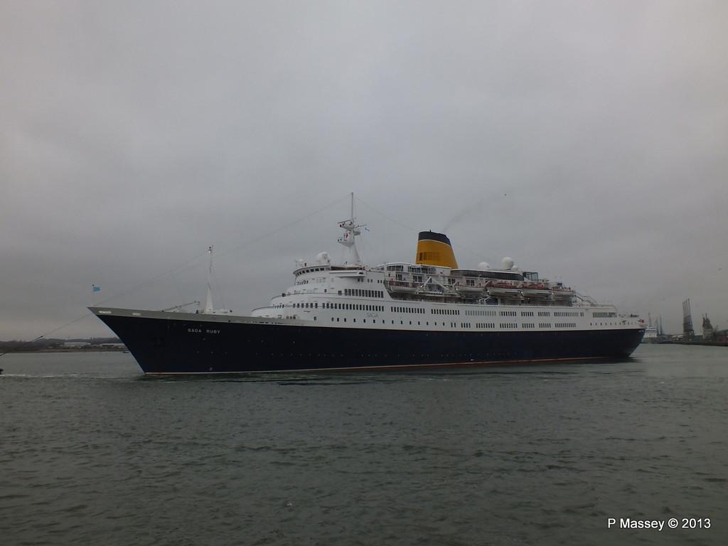 SAGA RUBY under tow Southampton PDM 08-01-2013 15-17-32