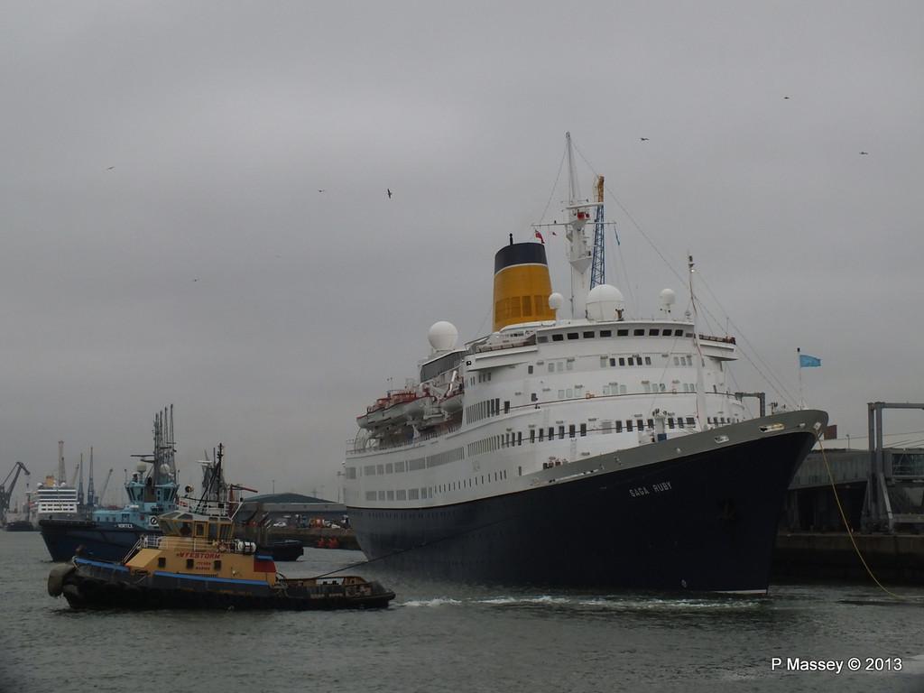 SAGA RUBY under tow Southampton PDM 08-01-2013 15-14-09