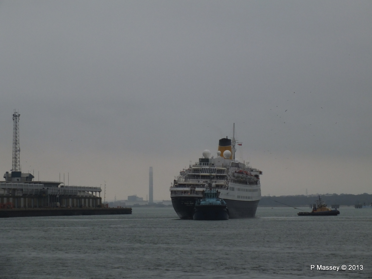 SAGA RUBY under tow Southampton PDM 08-01-2013 15-40-22