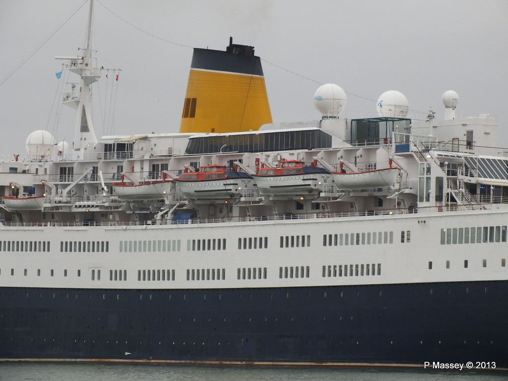 SAGA RUBY under tow Southampton PDM 08-01-2013 15-23-38