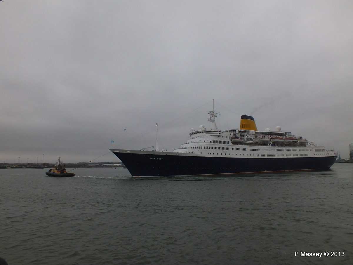 SAGA RUBY under tow Southampton PDM 08-01-2013 15-17-24