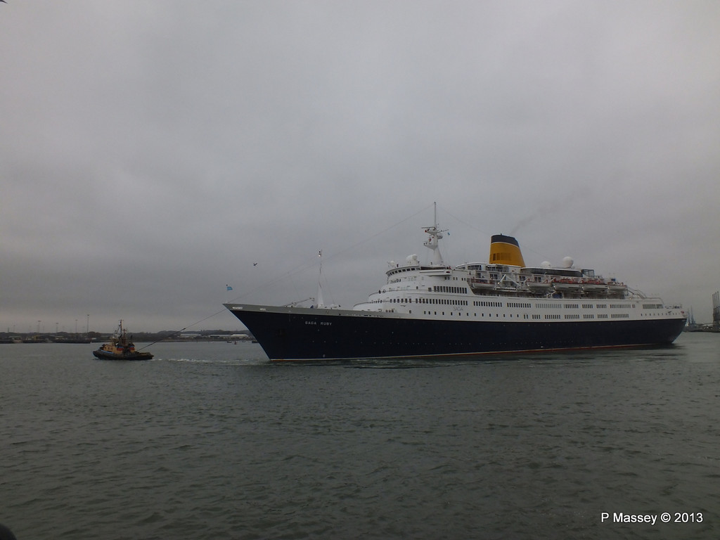 SAGA RUBY under tow Southampton PDM 08-01-2013 15-17-24