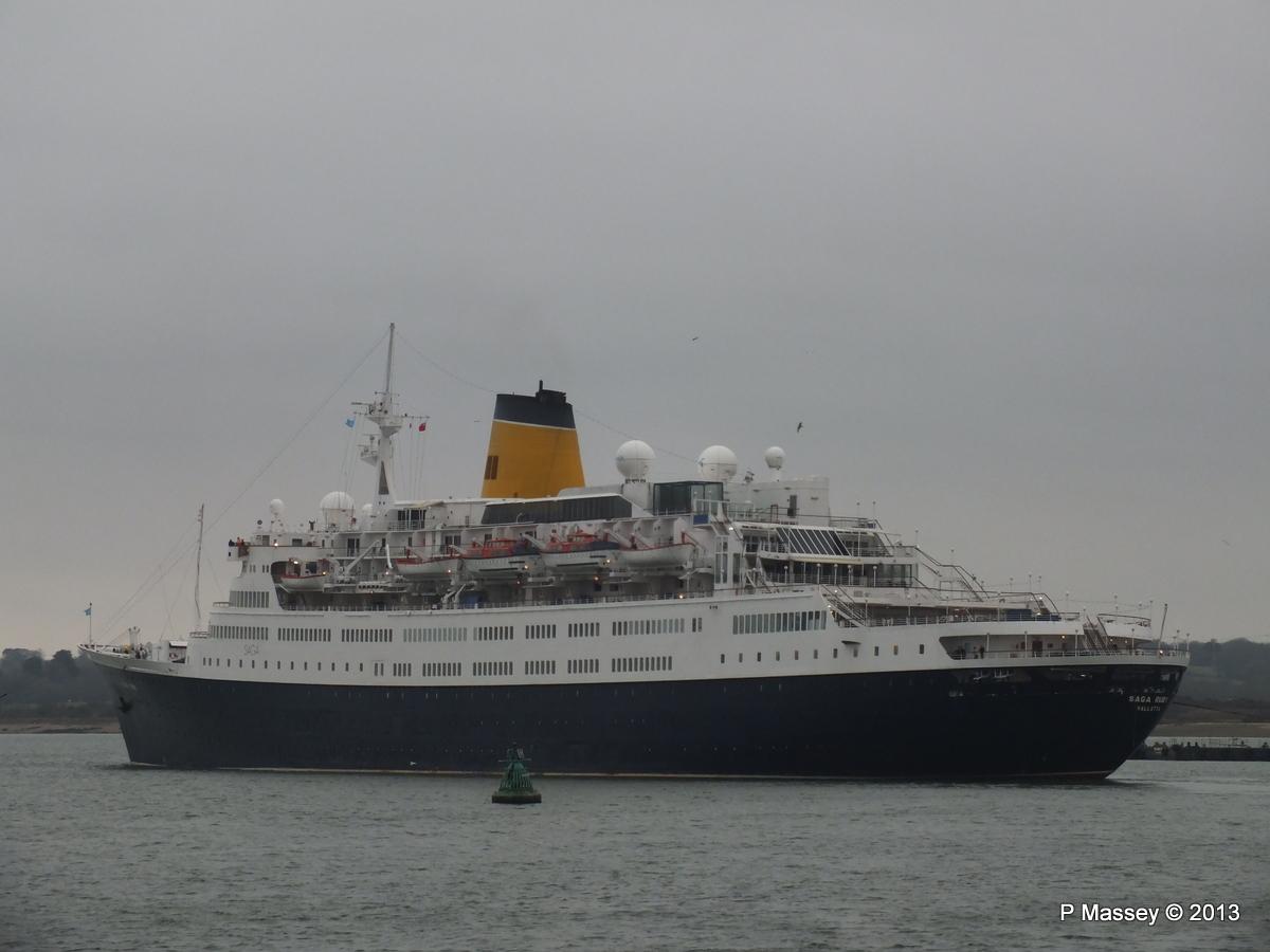 SAGA RUBY under tow Southampton PDM 08-01-2013 15-25-05