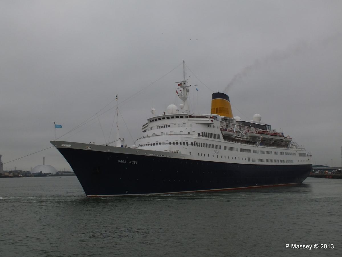 SAGA RUBY under tow Southampton PDM 08-01-2013 15-16-34