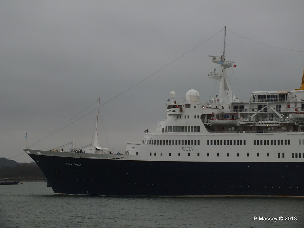 SAGA RUBY under tow Southampton PDM 08-01-2013 15-21-26