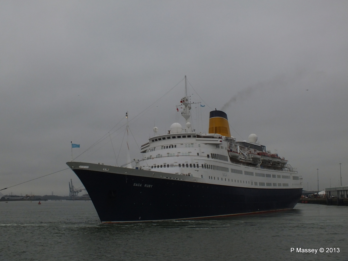 SAGA RUBY under tow Southampton PDM 08-01-2013 15-16-18
