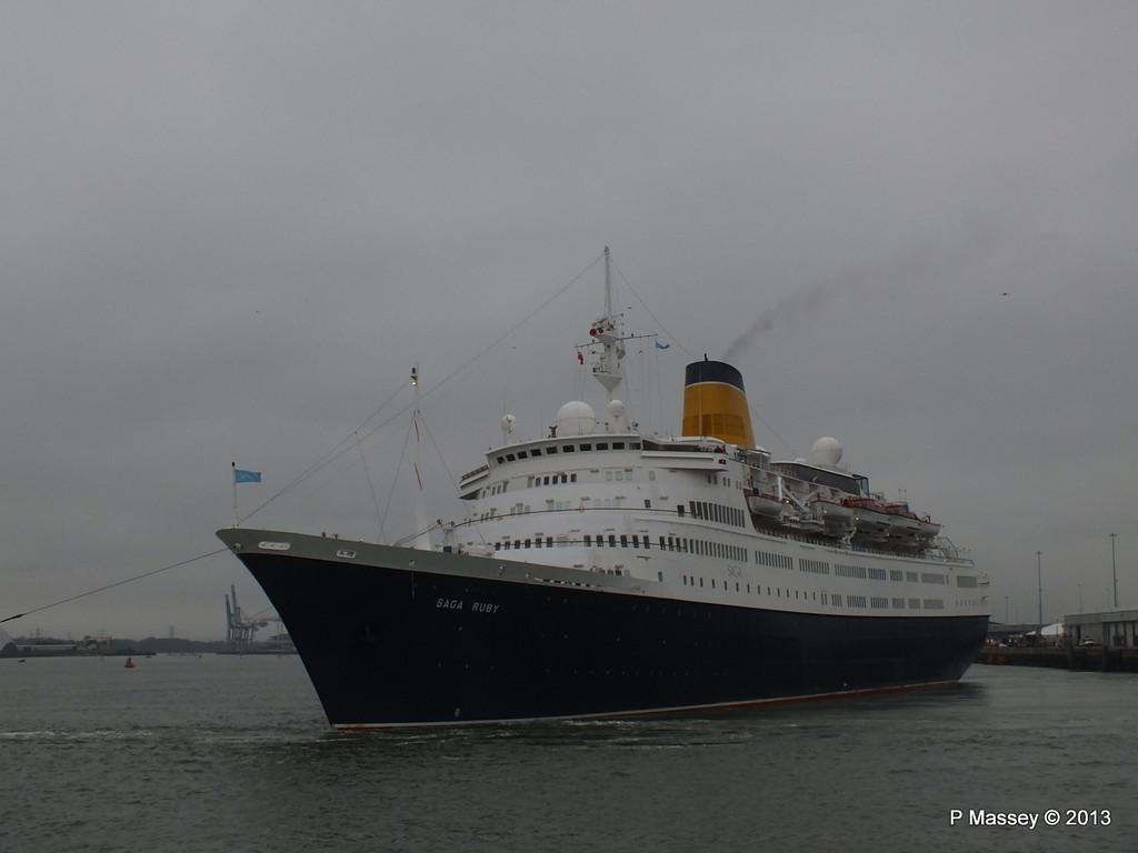 SAGA RUBY under tow Southampton PDM 08-01-2013 15-16-18